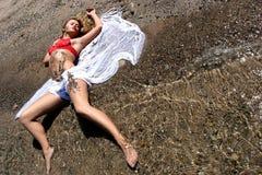 ligga för strand Royaltyfria Foton