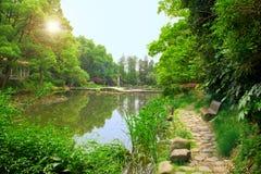 Liggande av den kinesiska parken. Arkivfoton