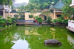 Liggande av den kinesiska parken. Arkivbilder