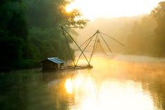 Liggande av floden royaltyfri foto