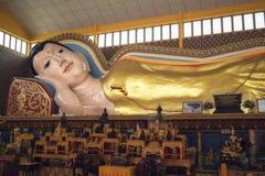 Liggande Buddha, Georgetown, Penang, Malaysia royaltyfri bild