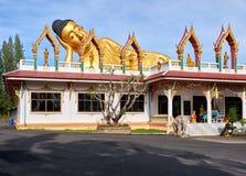 Liggande Buddhastaty Royaltyfri Foto