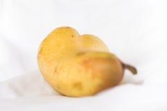 Liggande erotiskt päron royaltyfria foton