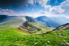 Liggande från Parang berg, Rumänien Arkivfoton