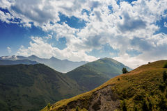 Liggande med berg Republik Altay Royaltyfri Foto