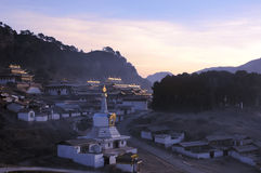 liggande tibet arkivbilder