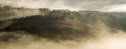 liggande tuscan Härlig Tuscan morgon Royaltyfri Foto