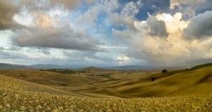 liggande tuscan Härlig Tuscan morgon Fotografering för Bildbyråer