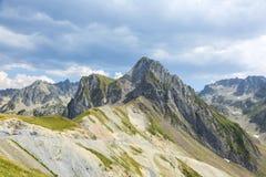 liggandeberg pyrenees Royaltyfri Bild