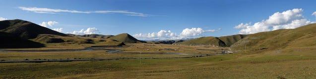 liggandepanorama tibet Arkivbild