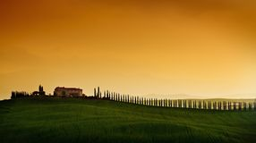 liggandesolnedgång tuscany Royaltyfri Fotografi
