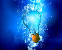 Light bulb under water Royalty Free Stock Photos