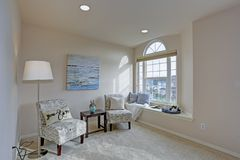 Free Light Filled Master Bedroom With Reading Nook Stock Photo - 109618990