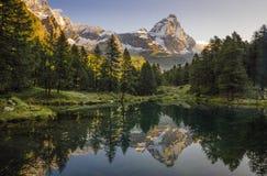 Light on Matterhorn, Luce sul Cervino, Lago Blu stock photography