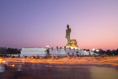 light waving rite around the big buddha statue with long time of shutter speed Royalty Free Stock Photos
