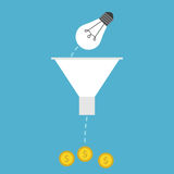 Lightbulb, χοάνη και χρήματα Στοκ Εικόνες