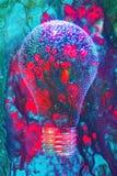 Lightbulb komponerat abstrakt begrepp arkivbilder