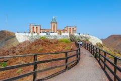 Lighthause法鲁de在Las Playitas,费埃特文图拉岛,西班牙附近的la Entallada 免版税库存照片