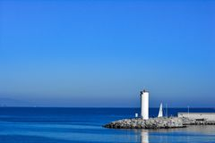 Lighthouse on coast Royalty Free Stock Images