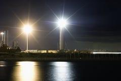 Lightouse en la noche fotos de archivo