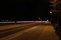 Lighttrails av bilar Royaltyfri Bild