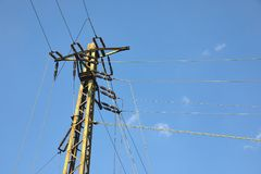 Ligne électrique colonnes Image libre de droits