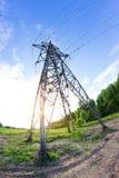 Ligne électrique dans un contryside Image libre de droits