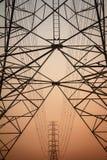 Ligne électrique de l'électricité Photos stock