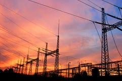 Ligne électrique de pylône et de boîte de vitesses Photo libre de droits