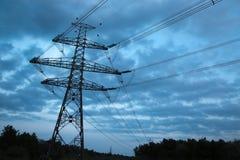 Ligne électrique haute tension Image stock