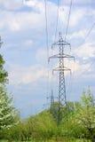 Ligne électrique haute tension Photo stock