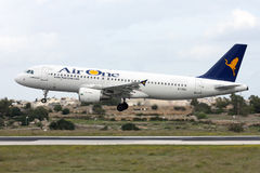 Ligne aérienne italienne A320 Photos stock