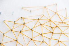 Ligne abstraite de Web connexion de noeud au noeud sur le backgro blanc photo libre de droits