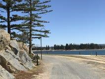 Ligne avant de train de plage de paysage photos libres de droits