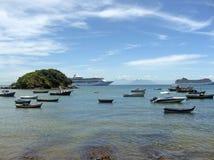 Ligne bateau de récipient et de vitesse normale de pêcheur Photographie stock