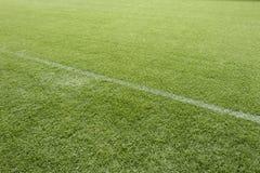 Ligne blanche sur le lancement du football Photo libre de droits