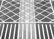 Ligne croisée de route Photographie stock libre de droits