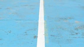 Ligne dans le plancher bleu Photos libres de droits