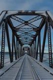Ligne de chemin de fer abandonnée pont dans Barachois, Québec, Canada images libres de droits