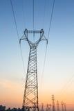 Ligne de la transmission tower Photos stock