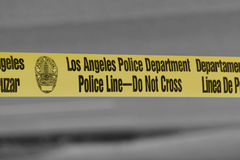 Ligne de police de Département de Police de Los Angeles - ne croisez pas la bande photos stock