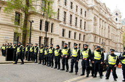 Ligne de police - protestation march - Londres Image libre de droits