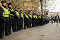 Ligne de police - protestation march - Londres Photo libre de droits