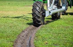 Ligne de roue du véhicule d'irrigation Photographie stock libre de droits