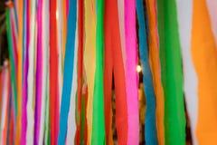 Ligne de tissu coloré et de sembler beaux photographie stock libre de droits