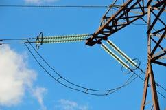 Ligne de transmission isolateurs Photos libres de droits