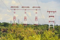 Ligne de transport d'énergie photographie stock