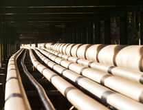 Ligne de tuyau dans l'industrie lourde Images stock