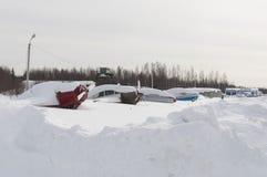 Ligne des aéronefs légers sous la neige Photo stock