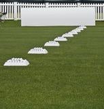Ligne des billes de pratique, panneaux blanc de Signage image libre de droits